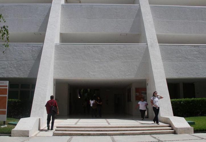 La universidad planea la construcción de dos áreas deportivas. (Luis Soto/SIPSE)