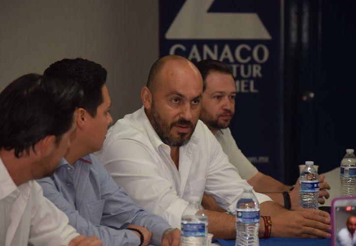 Eduardo Carlos González Cid presidente de la Coparmex en la ínsula, mencionó que se hará un llamado al consulado de Estados Unidos en la región para que modifique la información que daña a la isla. (Gustavo Villegas/SIPSE)