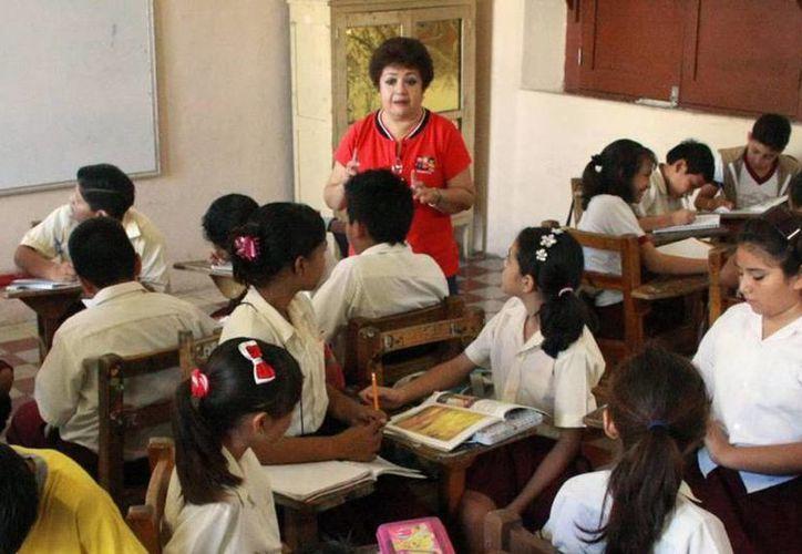 Unesco señala que las políticas públicas deben apoyar al desarrollo de sistemas educativos exitosos. (Archivo/SIPSE)