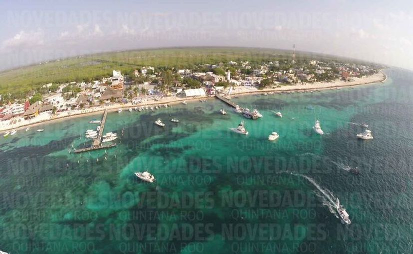 El arrecife del destino turístico ya está dañado, lo que deja desprotegido el frente de mar. (Israel Leal/SIPSE)