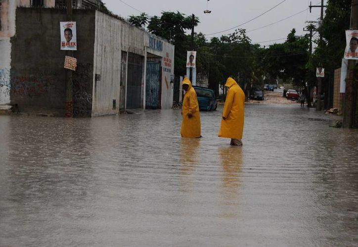 Se registraron inundaciones en diferentes puntos de la ciudad. (Tomás Álvarez/SIPSE)