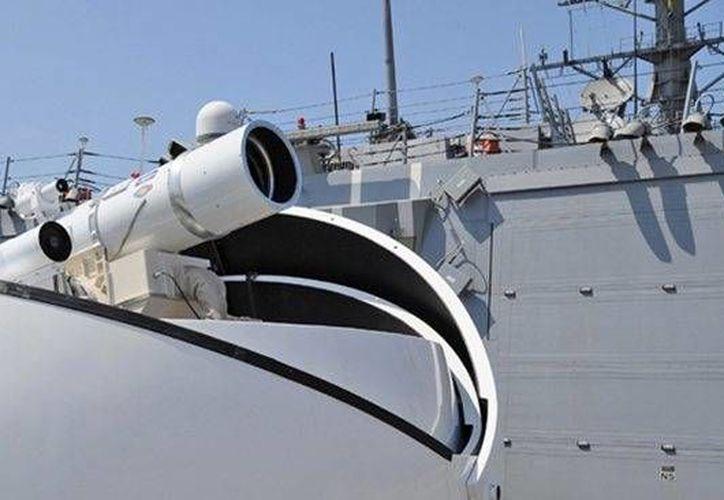 Las futuristas armas de la Marina de EU son capaces de superar siete veces la velocidad del sonido. (dmilt.com)