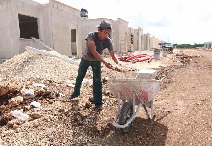 De continuar edificando casas tradicionales, la reserva territorial meridana se acabará en tres años, señalan impulsores de viviendas. (SIPSE)