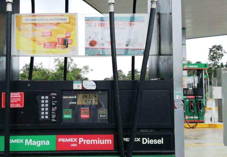 En comparación con La Gas y Pemex, Oxxo Gas tiene el menor costo de los combustibles. (Foto: Pedro Olive)