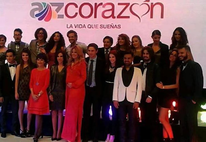 El elenco de la programación durante la presentación de los canales Az Mundo, Az Clic y Az Corazón. (@Raquel_Beltran)