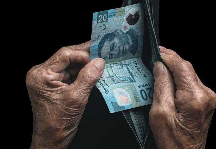 Las personas que se han jubilado pueden reclamar al Infonavit el dinero que no utilizaron. (Forbes Mexico)