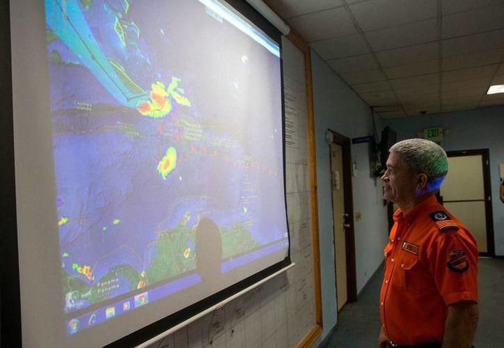 Se formó una nueva depresión tropical en el Atlántico, informó el Centro Nacional de Huracanes de Miami, al que corresponde la foto. La imagen es de archivo. (EFE)