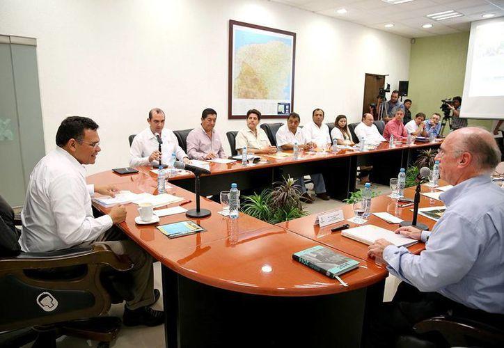 Se informó que la 22ª Reunión Anual del Consejo Técnico del Conasa se realizará en Yucatán del 5 al 7 de noviembre próximos.
