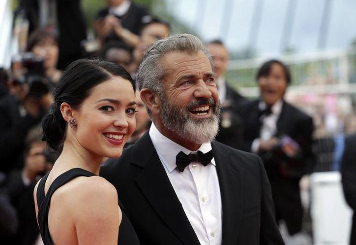 Mel Gibson tiene siete hijos con Robyn Moore, una con Oksana Grigorieva y se encuentra a la espera del primero con Rosalind Ross. (Lionel Cironneau/AP)