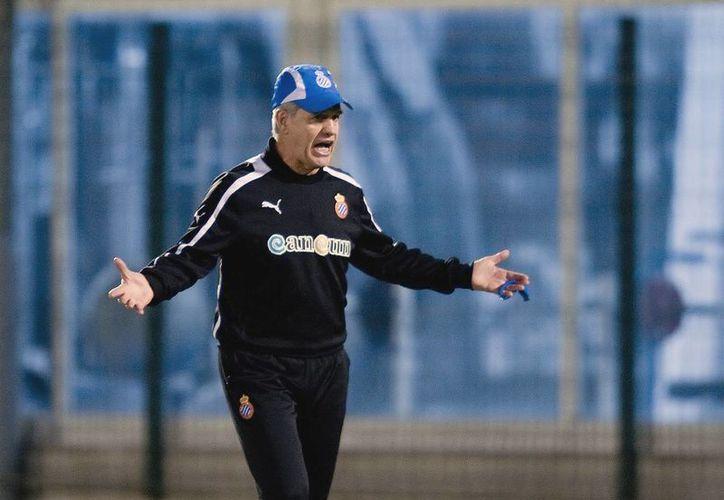 Aguirre dirigió de 2002 a 2006 al Osasuna de Pamplona. (Foto: Agencias)