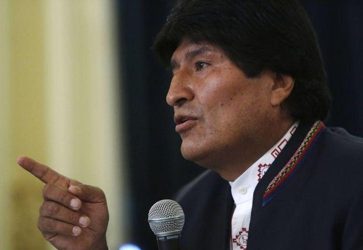Evo Morales encabezó una rueda de prensa donde reconoció haber perdido en el referendo. (Agencias)