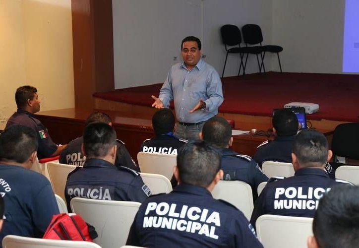 Elementos de seguridad municipal de Cozumel recibieron capacitación sobre el Sistema Penal Acusatorio. (Cortesía)