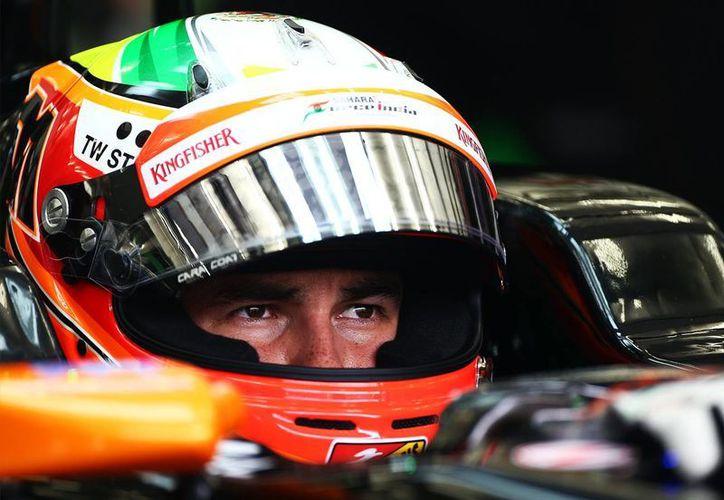 'Checo' Pérez espera mejorar en Silverstone este fin de semana los puestos 11 y 9 conseguidos en Canadá y Austria recientemente. En la foto, durante los ensayos en Melbourne, Australia, en marzo. (deportspeed.com.mx)