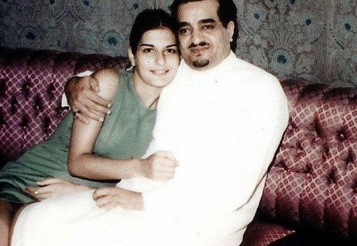 Fotografía en 1970 de Janan Harb y el principe de Arabia Saudita en este entonces, Fahd bin Abdulaziz al Saúd, quienes estuvieron casados. (Imagen tomada de elespanol.com)