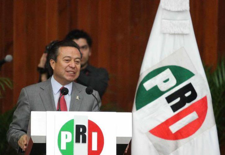 El líder nacional del PRI, César Camacho Quiroz, tomó la protesta estatutaria a los representantes del Consejo Político Nacional del partido tricolor. (Notimex)