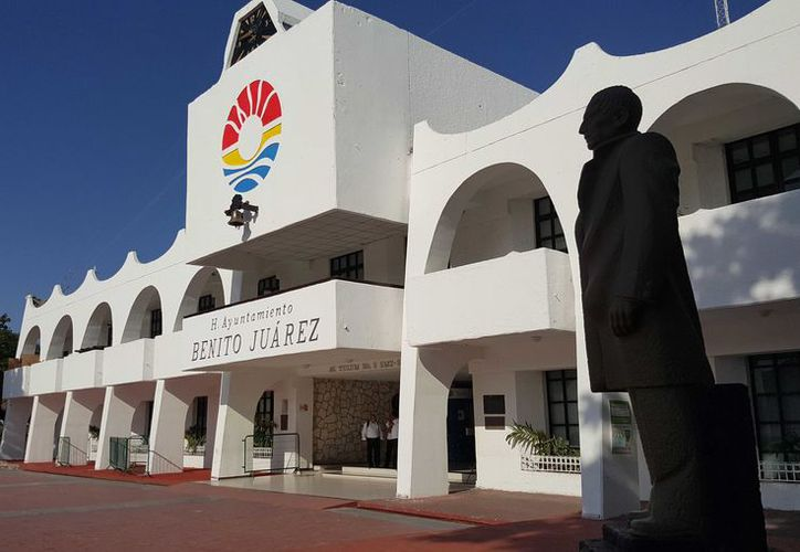 El alcalde de Benito Juárez, Remberto Estrada Barba, descartó que su gobierno haya dado apoyos a la Fundación CAFU. (Redacción/SIPSE)