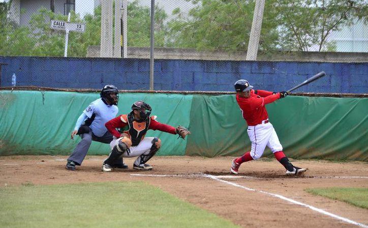 Dentro de la Segunda Jornada, Óscar Rivera tratará de obtener su primer triunfo en la Liga, con los Castores de Mérida, quienes visitarán a Bombarderos de Izamal.(Milenio Novedades)