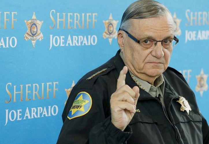 Foto de archivo del 18 de diciembre de 2013 del sheriff del condado de Maricopa Joe Arpaio, en Phoenix, Arizona. (AP Foto/Ross D. Franklin, Archivo)