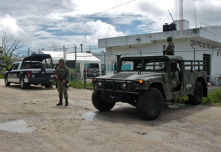 La participación de la Policía Estatal fue crucial para rescatar a la víctima. (Foto: Gustavo Villegas/SIPSE).