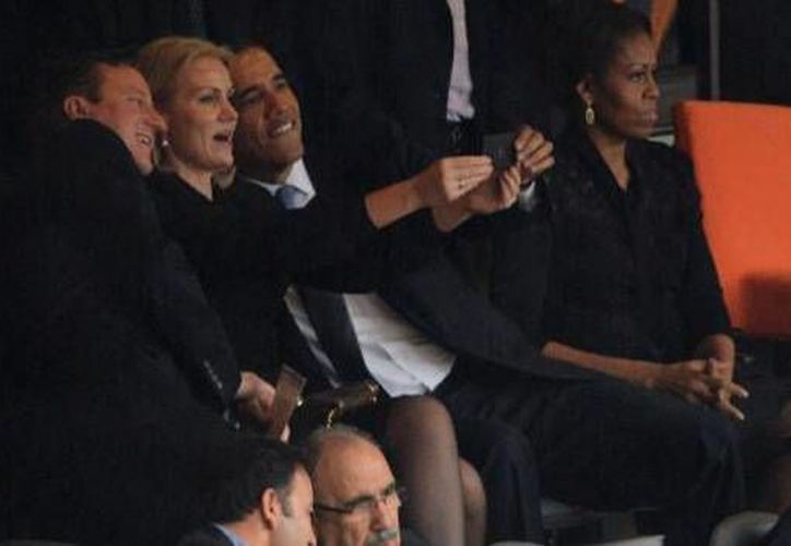 La primera ministra de Dinamarca, Helle Thorning-Schmidt, fue quien tomó la foto. (pbs.twimg.com)