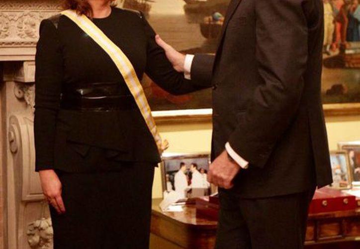Al recibir una de las distinciones más importantes del Reino de España, Claudia Ruiz Massieu aseguró que la relación de México con aquel país atraviesa un momento inmejorable. (Notimex)