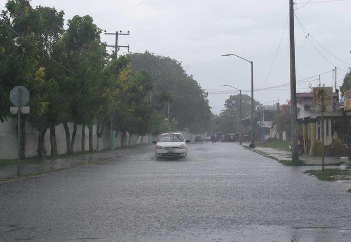 Las lluvias del pasado lunes dejaron puntos encharcados en las colonias de Chetumal. (Gerardo Amaro/SIPSE)