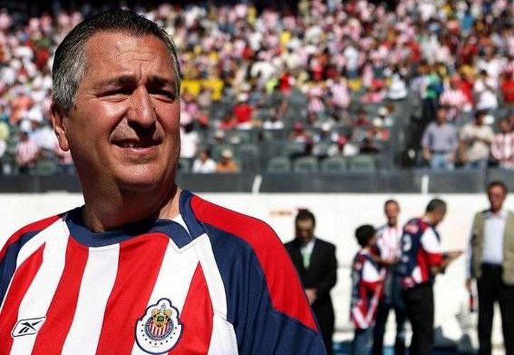 De acuerdo a Jorge Vergada, dueño de Chivas de Guadalajara, su equipo no solo seguirá jugando con puros mexicanos, sino que en dos años como máximo lo hará  con puro canterano. (100x100fan.mx)