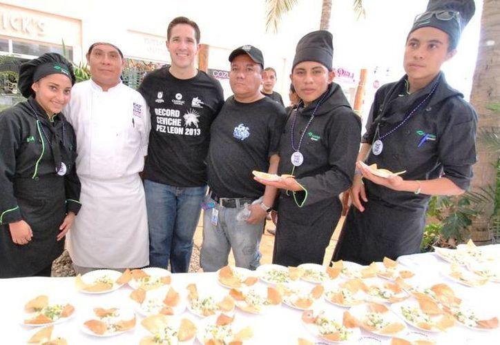 Evento de inauguración y degustación del ceviche de pez león. (Cortesía/SIPSE)