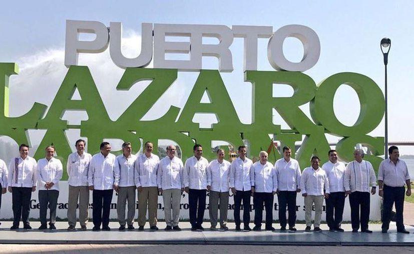 El gobernador Rolando Zapata estuvo este viernes en Michoacán en  la Conferencia Nacional de Gobernadores (Conago), donde se instaló la Comisión de Desarrollo para las Zonas Económicas Especiales. (Foto tomada de noticiasmvs.com)