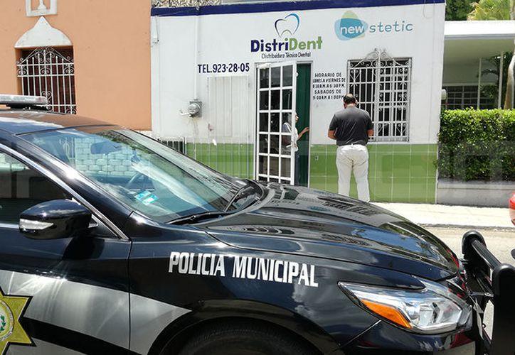 El negocio afectado se encuentra en la calle 71 por 48 del Centro de Mérida. (Aldo Pallota/SIPSE)