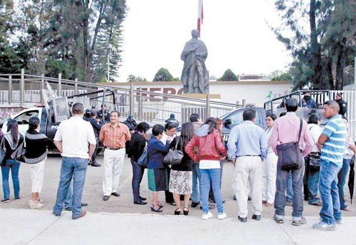 Alguno maestros e integrantes de la CNTE quieren ser evaluados, los cuales tendrán hasta el 18 de septiembre para reunir los requisitos necesarios. (Milenio)