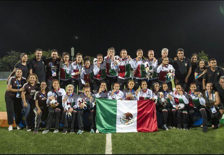 El Tricolor femenil logró marcar tres goles en dos minutos, contra Costa Rica. (Informador)