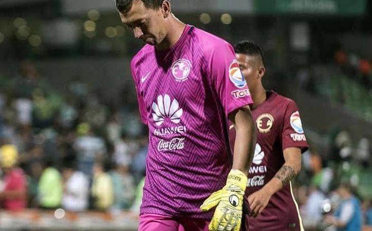 Agustín Marchesín, arquero del América, recibió abucheos durante el último partido de la Copa MX, llevado a cabo en el estadio de Santos Laguna.(Foto tomada de Mediotiempo)