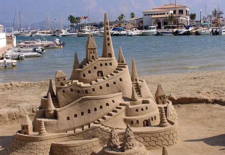 Los participantes deberán ser creativos en la construccción de su castillo. (Facebook/Primer concurso de castillos de arena)