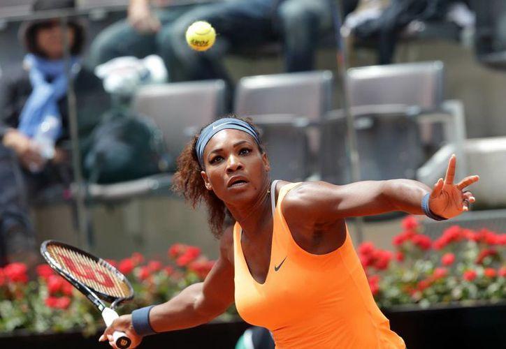 Serena ahora espera enfrentarse a la ganadora del duelo entre Victoria Azarenka y Sara Errani. (Agencias)