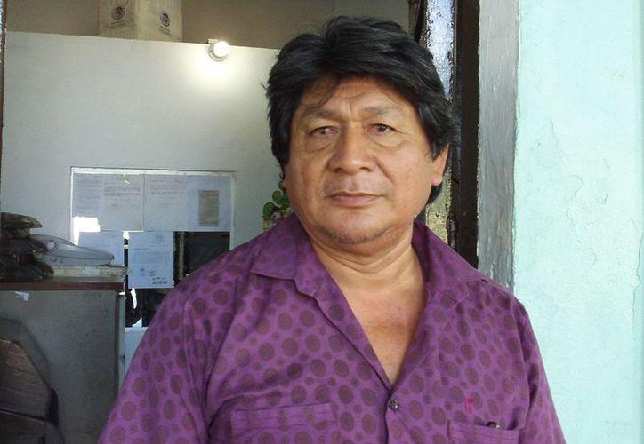 El jefe de la Junta Municipal de Reclutamiento, Juan Lara Casanova. (Manuel Pool/SIPSE)