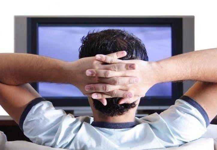 Dish está en el <i>ojo del huracán</i> por la supuesta transmisión ilegal en detrimento de TV Azteca. (Agencias/Contexto)