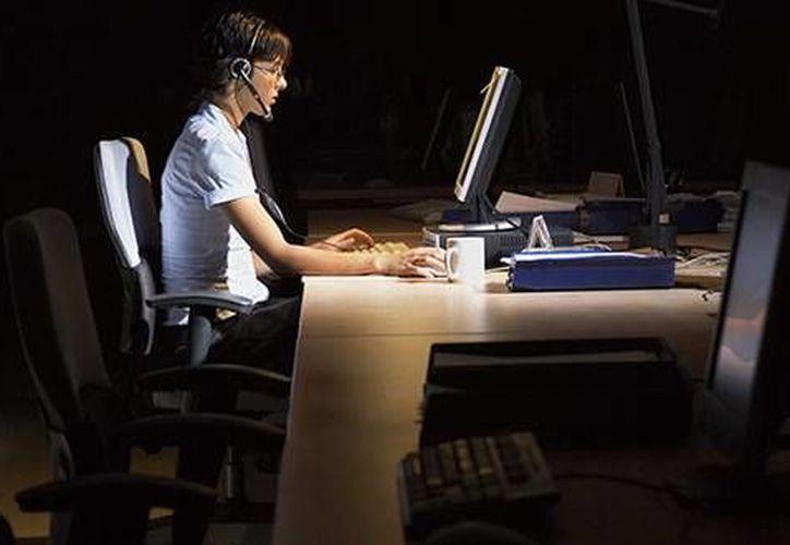 Aseguran que los trabajadores de horarios nocturnos o de fin de semana deberían implementarse medidas para mitigar consecuencias. (mujerglam.cl)