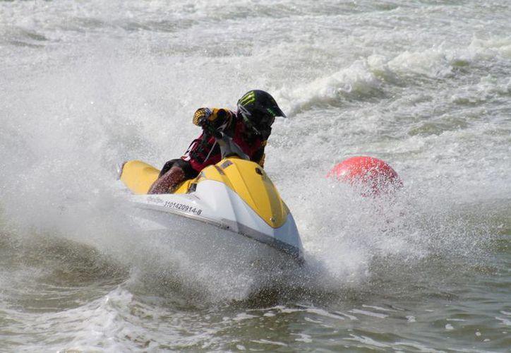 En vísperas del Gran Premio Yucatán 2016 de motos acuáticas, los organizadores destacan los logros del evento. (Milenio Novedades)