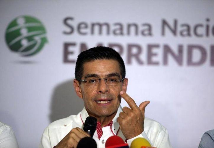 Enrique Jacob Rocha, director del Inadem, aseguró que Yucatán, pese a los recortes presupuestales, ha recibido casi 300 mdp de pesos para emprendedores, en tres años. (Amílcar Rodríguez/SIPSE)
