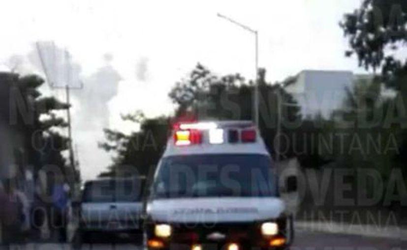 La lesionada fue trasladada al Hospital General de Playa del Carmen.  (Redacción/SIPSE)