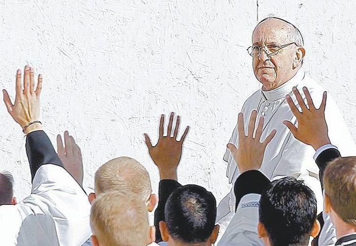 Si Francisco logra redimensionar el rol del Papa como obispo de Roma, será positivo. (Milenio)
