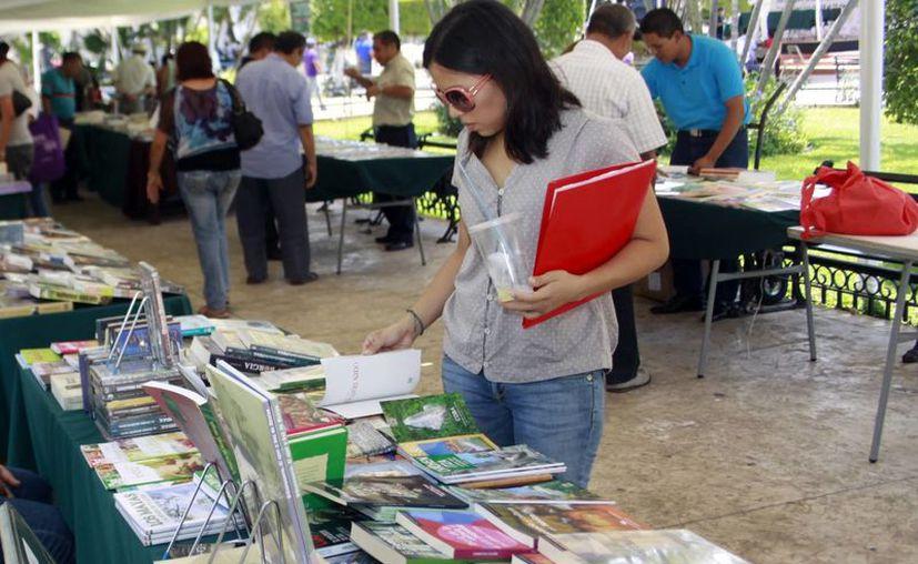 La SEP considera que muchos autores literarios desconocen que pueden registrar sus obras. (Milenio Novedades)