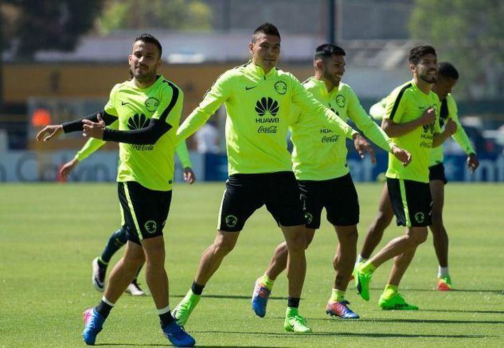 Jugadores del América, durante un entrenamiento. (MEXSPORT)