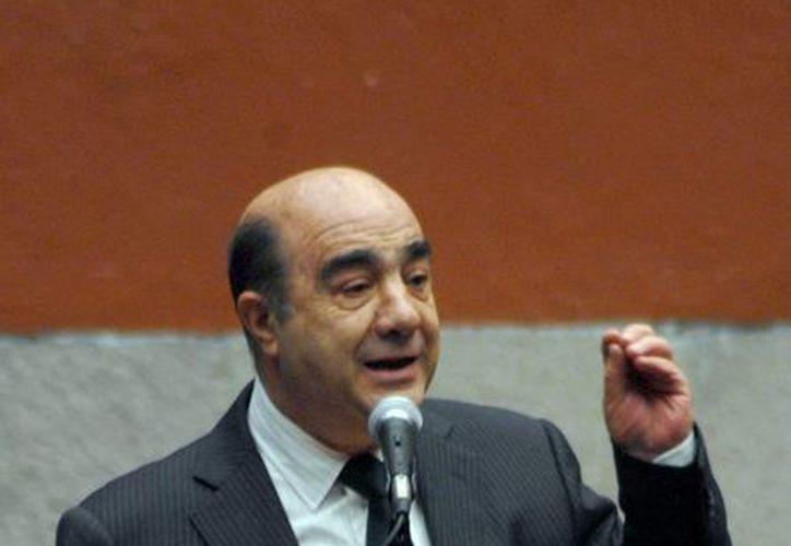 El procurador Murillo Karam se pronunció por desaparecer la medida cautelar paulatinamente. (Notimex)