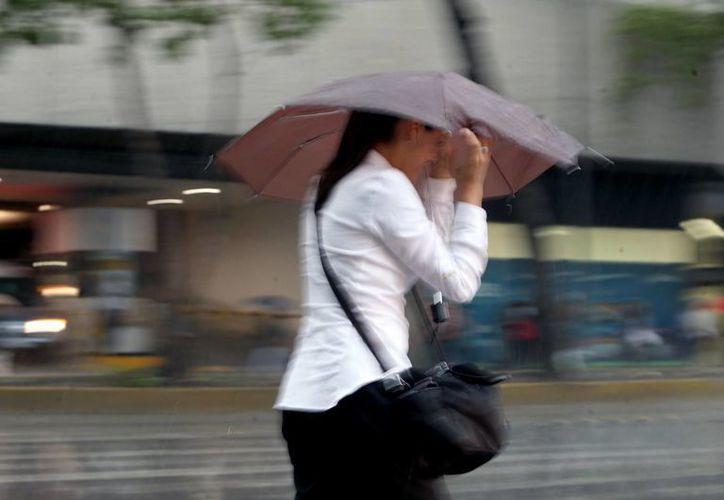 Mientras la tormenta 'Estelle'  se intensifica, el Huracán Darby se debilita paulatinamente en el Pacífico. (Archivo/Notimex)