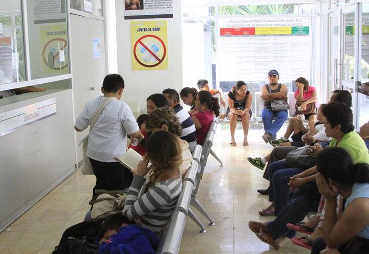Se rehabilitarán 12 consultorios en el servicio de primer nivel. (Ángel Castilla/SIPSE)