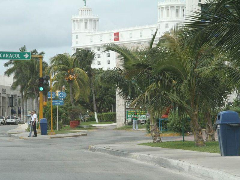 Se contempla equipamiento de playas públicas en la zona hotelera. (Miguel Ángel Ortíz/SIPSE)