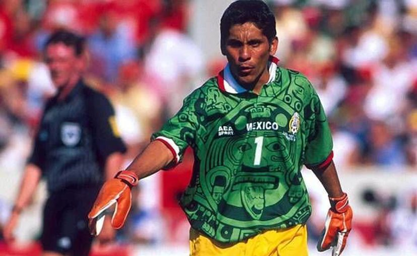 El dos veces mundialista, Jorge Campos, desea estar en el Tri a falta de dos juegos para que termine el hexagonal. (soloporteros.com)