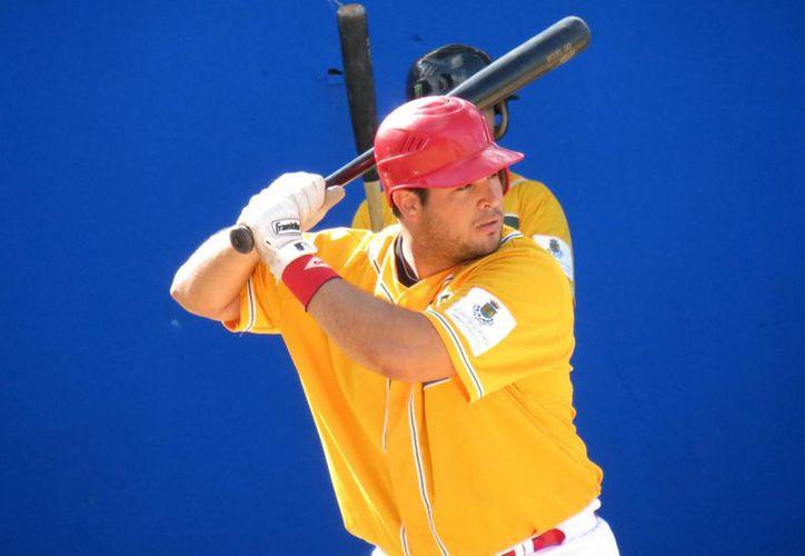 El receptor de Zorros de Pacabtún, Humberto Sosa, participará en los Juegos Centroamericanos y del Caribe 2014. (Milenio Novedades)